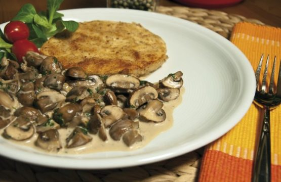 Pilz-Rezept: Sellerie-Schnitzel mit Haselnuss-Panade