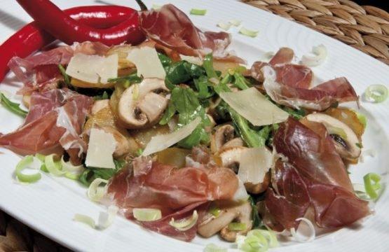 Pilz-Rezept: Marinierte Bratkartoffeln mit Champignons