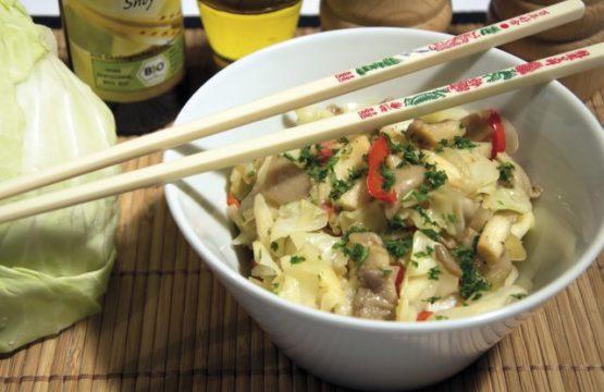 Pilz-Rezept: Weißkohlsalat mit Austernpilzen