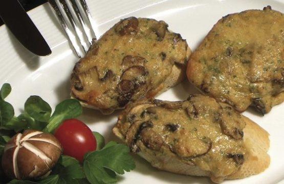 Pilz-Rezept: Champignon-Brotscheiben